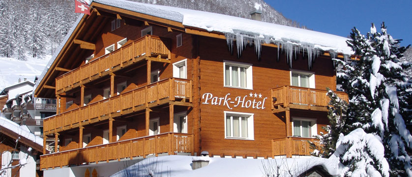 Switzerland_Saas-Fee_Hotel-Park_Exterior-winter.jpg